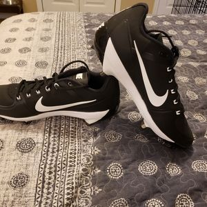 Nike Air Clipper Cleats 10.5 NWOT